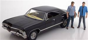 Chevrolet Impala Sport SedanSupernatural 1967 black with 2 figurines
