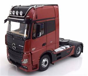 Mercedes Actros Gigaspace 4x2 FH25 towing vehicle with illumination darkred/black special edition of Mercedes