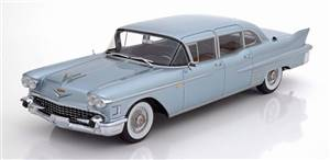 Cadillac Fleetwood 75 Saloon 1958 lightblue-metallic Limited Edition 300 pcs