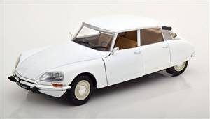 Citroen DS 1972 white